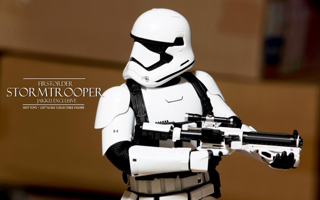 Hottoys First Order Stormtrooper Jakku