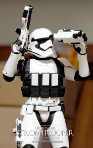 Hottoys First Order Stormtrooper Jakku