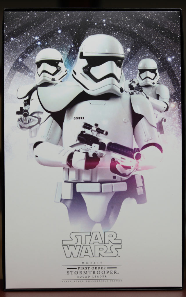 hottoys-stormtrooper-squad-leader-03