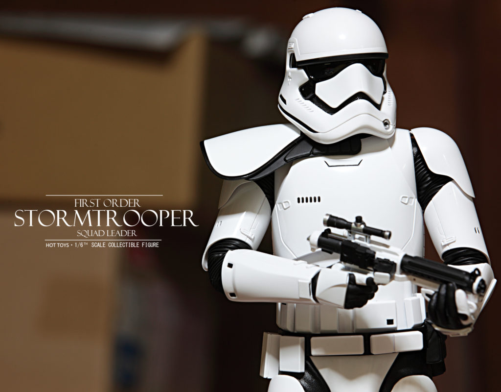 hottoys-stormtrooper-squad-leader-09