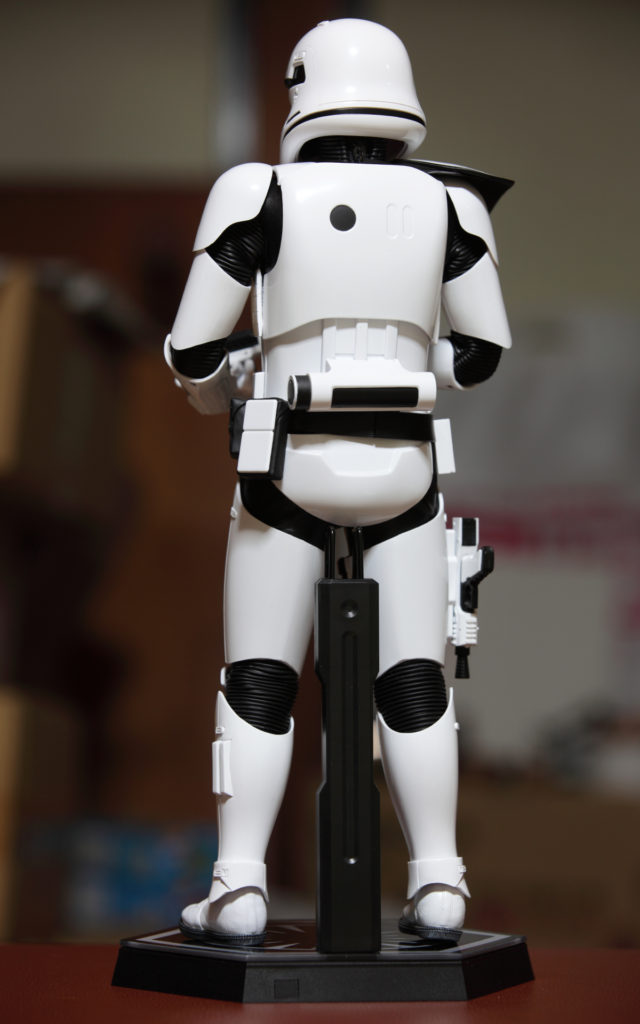 hottoys-stormtrooper-squad-leader-14