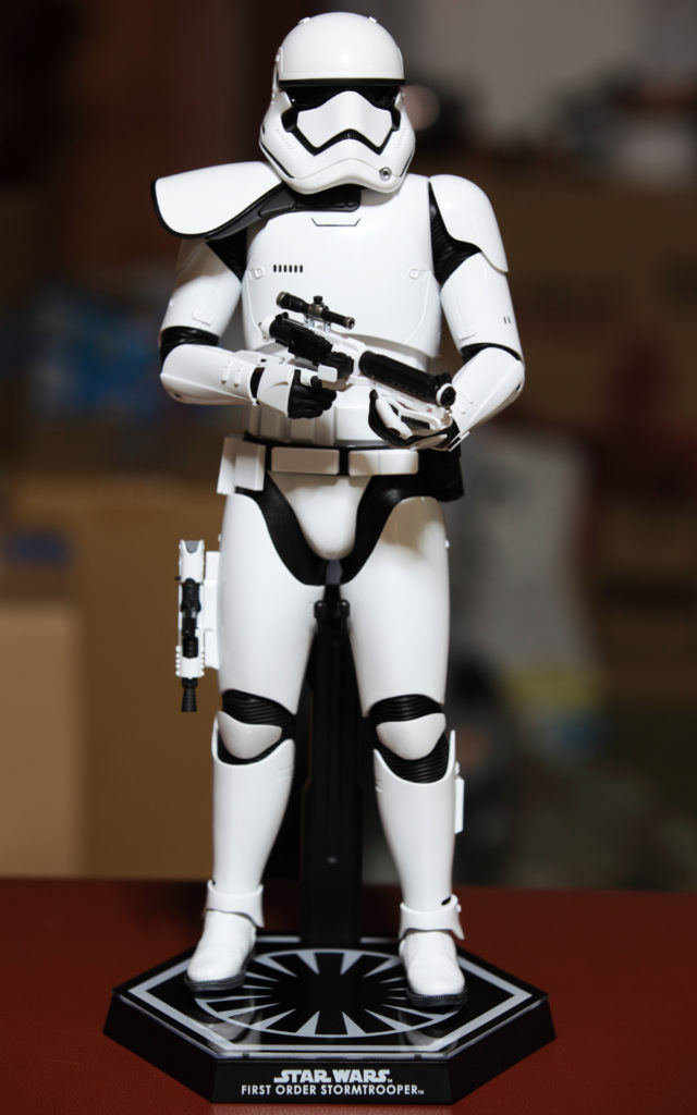 hottoys-stormtrooper-squad-leader-15