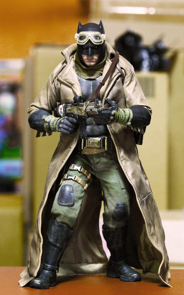 hottoys-knightmare-batman-05