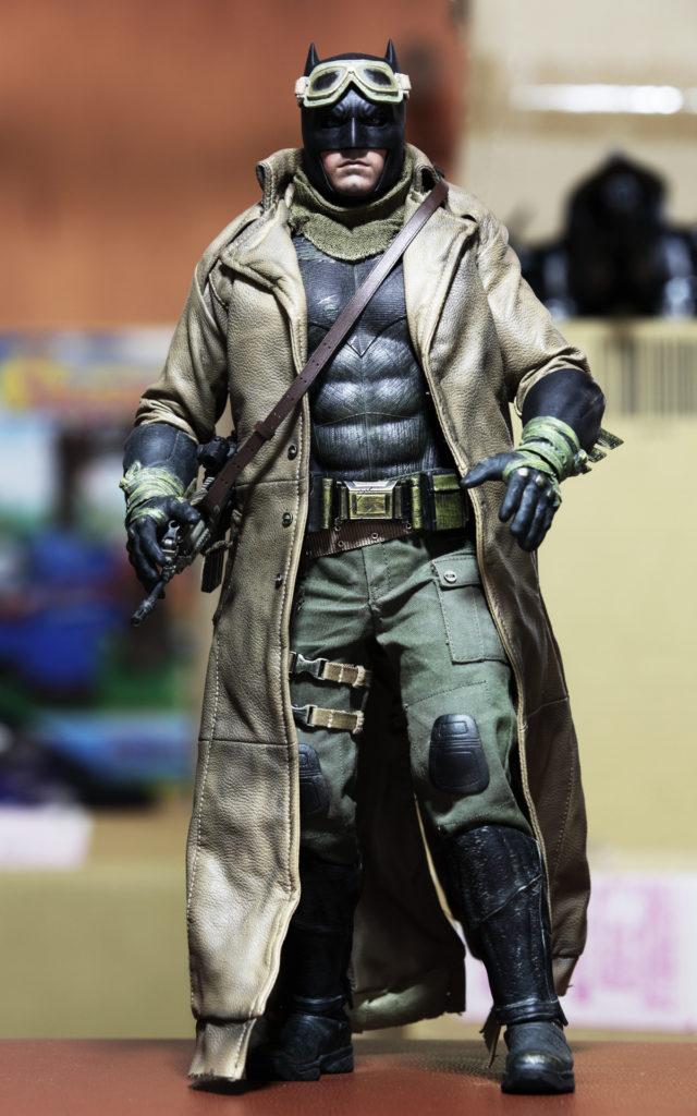hottoys-knightmare-batman-07