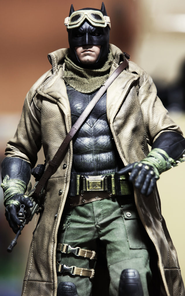 hottoys-knightmare-batman-12