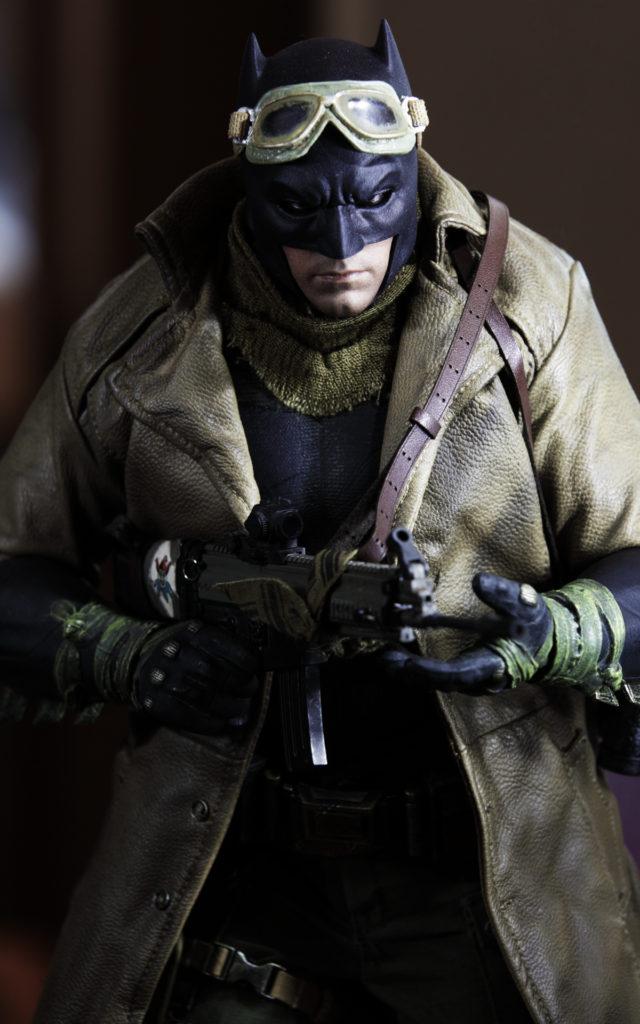 hottoys-knightmare-batman-13