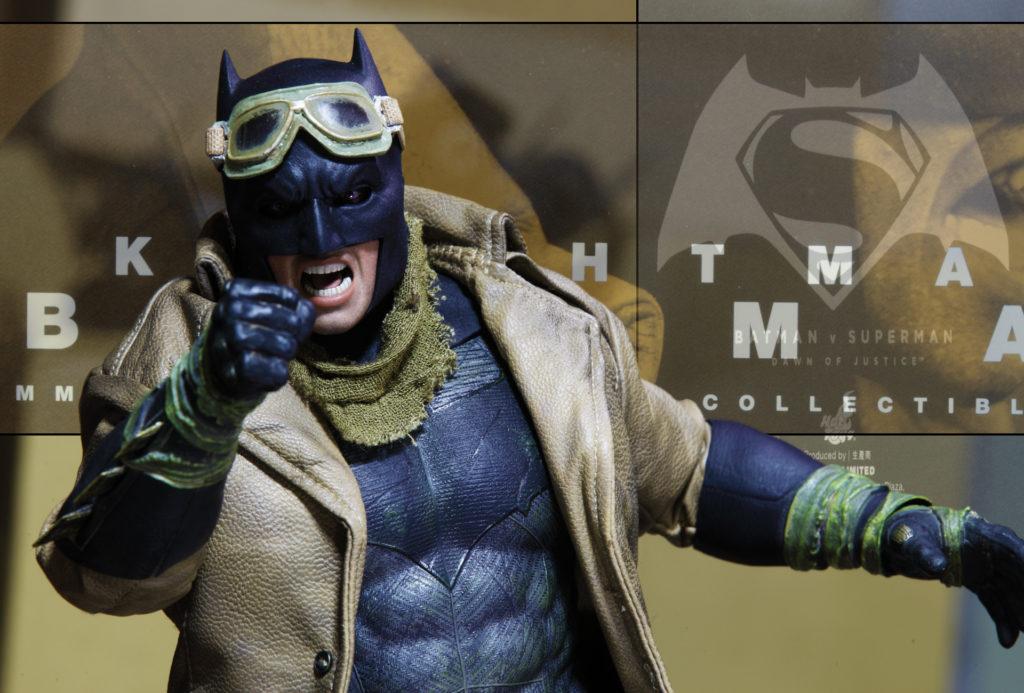 hottoys-knightmare-batman-15