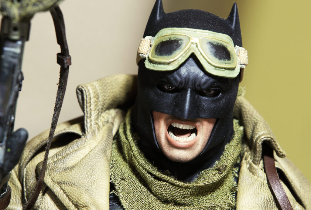 hottoys-knightmare-batman-17