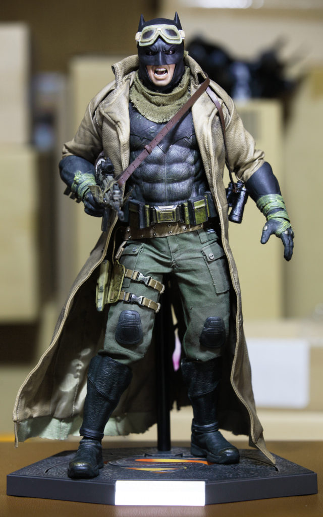 hottoys-knightmare-batman-20