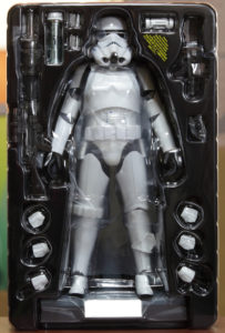 hot-toys-star-wars-episode-IV-a-new-hope-spacetrooper-box-image