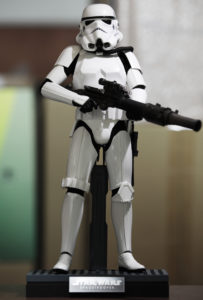 hot-toys-star-wars-episode-IV-a-new-hope-spacetrooper-image