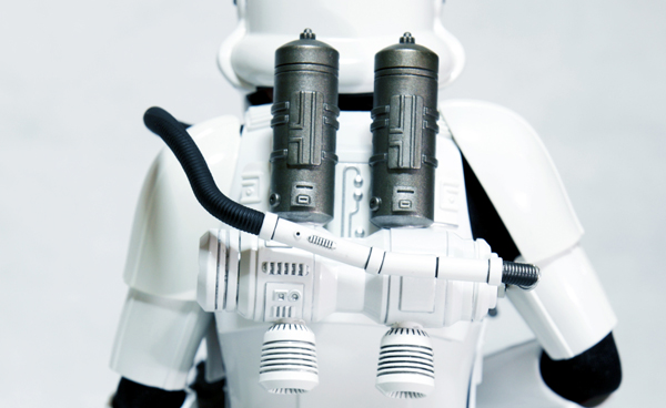 hot-toys-star-wars-a-new-hope-spacetrooper-featured-image